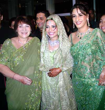 Maleika with mom and Farah Khan