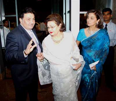 Rishi Kapoor, mother Krishna and Neetu Kapoor