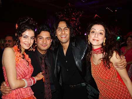 Indian Idol: Sonu Nigam and wife Madhurima wishing the couple