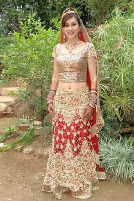 ... veejay now a traditional bahu ... (Perfect wedding traditional dress