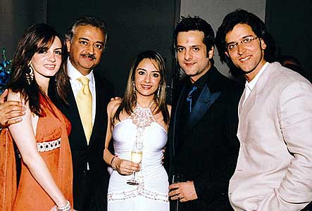 Fardeen and Natasha with Hrithik Roshan and Suzzane